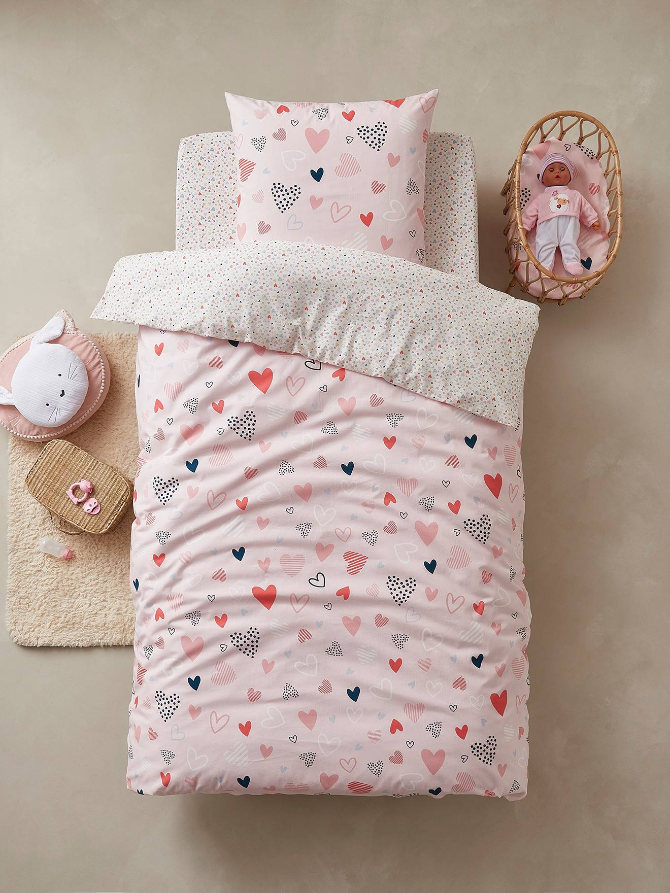 Conjunto capa de edredon + fronha de almofada para criança, tema Corações em Festa rosa claro estampado